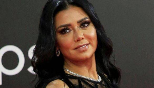 """رانيا يوسف """"مُدمنة"""" التعري تظهر على حقيقتها في صورة """"صادمة"""" التقطت لها بدون ميعاد ولا مكياج"""