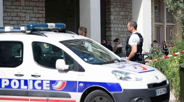 مختل عقلياً يقتل يقتل 3 من رجال الشرطة الفرنسية