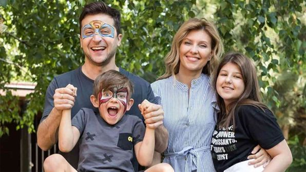 ابنة زيلينسكي تعارض ترشحه لولاية رئاسية ثانية لأوكرانيا
