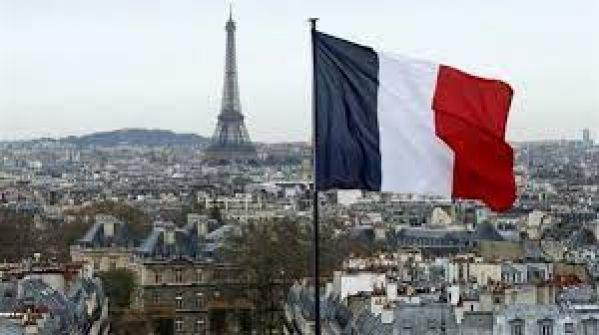 فرنسا تعتبر آيات قرآنية من سورة الأحزاب منافية لقيم الجمهورية وتقيل إمامين