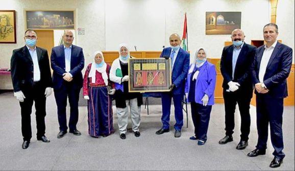 بدعم من مجموعة الاتصالات الفلسطينية افتتاح مشروع الطاقة الشمسية لجمعية إنعاش الأسرة