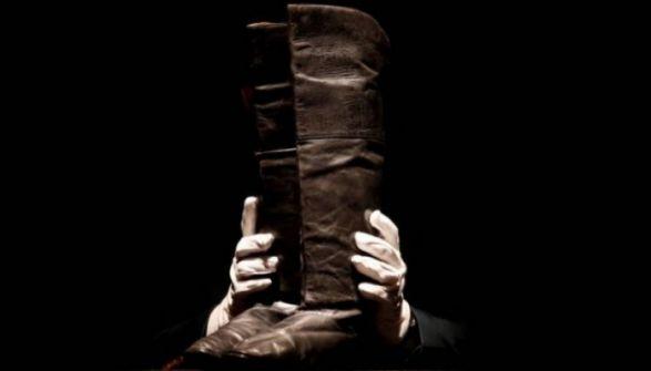 أكثر من 100 ألف دولار ثمن حذاء قائد تاريخي!