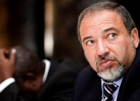 ليبرمان: سندفع مضطرين ثمن نقل السفارة الأمريكية الى القدس