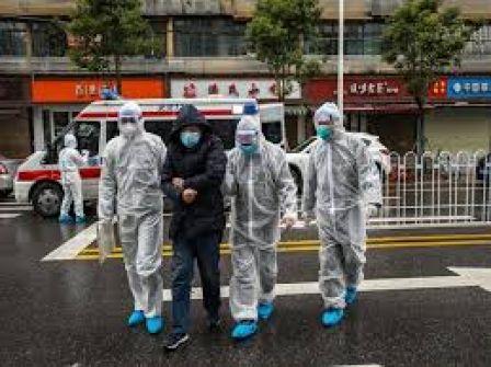 السلطات الأمريكية: ارتفاع عدد الإصابات بفيروس كورونا في الولايات المتحدة إلى 512 حالة