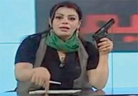 'مذيعة القذافي' تتحدث للمرة الأولى.. أين تقيم وكيف هربت؟