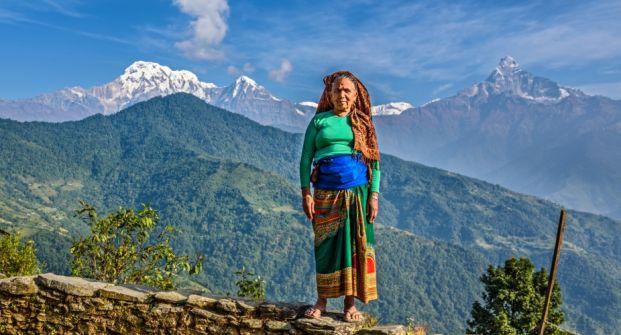 ثورة النساء في نيبال.. المرأة تبني بيتها الذي هدمه الزلزال ثم تخرج إلى سوق العمل لتنافس الرجال