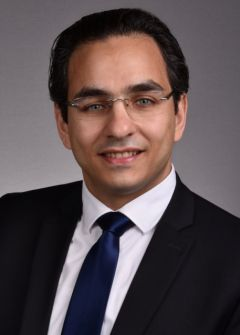 لاجئ..... إياس ناصر