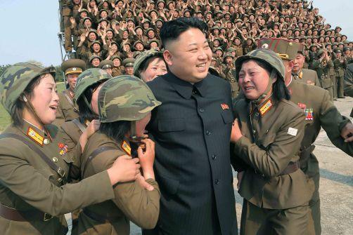 لماذا أمرَ زعيم كوريا الشمالية بتدريب نصف مليون فتاة تدريباً عسكرياً قوياً الآن؟!