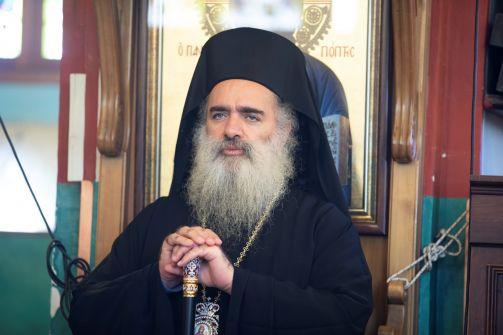 سيادة المطران عطا الله حنا : ' ان حضورنا المسيحي الفلسطيني في هذه الارض ليس حضور طائفة او اقلية بل هو حضور له جذور عميقة في تربة هذه الارض المقدسة '