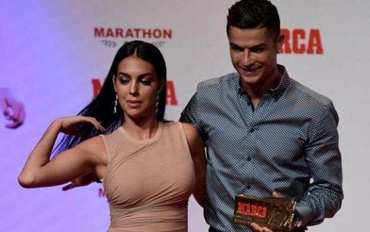 رونالدو وجورجينا.. اللحظة السعيدة تقترب