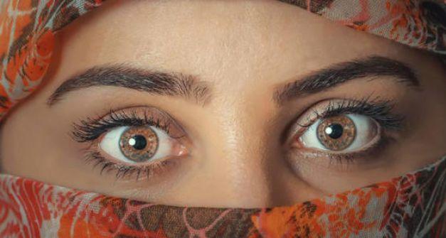 الكويت : اردنية تستغل جمالها للسرقة