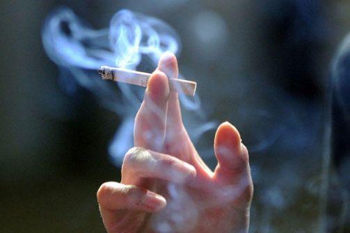 الحبس لمصري اعتاد إطفاء السجائر بجسد زوجته