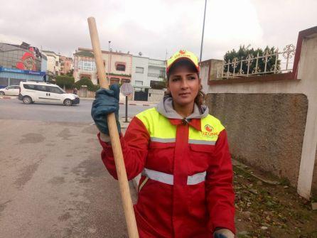 سناء معطاط… عاملة نظافة مغربية تدخل عامل المشاهير بسبب جمالها! 'فيديو'
