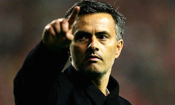 مورينيو في طريقه إلى تدريب مانشستر يونايتد حتى تفاصيل العقد أصبحت جاهزة