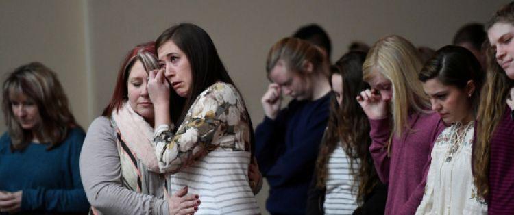سمعوا صوت الإنذار فظنوه خاطئاً قبل أن تحدث الكارثة.. تفاصيل 'المجزرة' التي أودت بحياة 17 طالباً في مدرسة أميركية