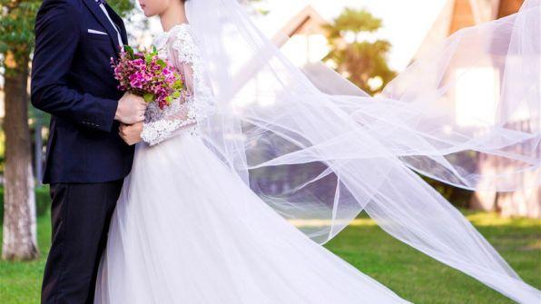 'مليونير' محتال يقيم حفل زفاف فاخر ويختفي