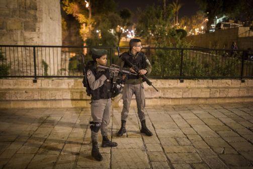إصابة جندي من حرس الحدود الاسرائيلي بجروح خطيرة والاستيلاء على سلاحه