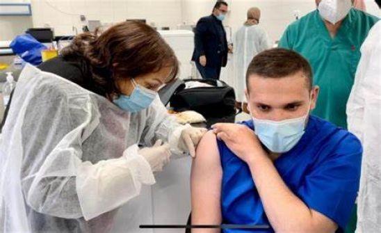 الصحة: بدء تطعيم ذوي الأسرى في محافظة رام الله والبيرة