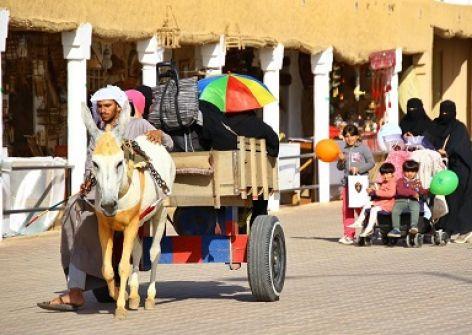 الجنادرية 33.. موازنة بين صون التقاليد والتواصل الحي بأحدث التقنيات مع العالم