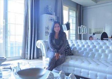 رانيا يوسف بالبيجامة في أول حلقات برنامجها الجديد