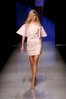 تصاميم مميزة ضمن فعاليات   Arab Fashion Week