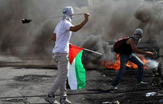 موقع عبري: اسرائيل رفضت طلب السلطة عودة 'المفاوضات واشترطت التهدئة' اولا