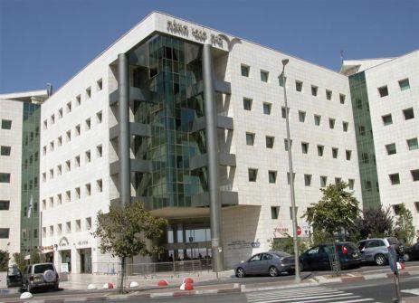 كم يبلغ عدد السكان الفلسطينيين  في أحدث إحصاء سكاني اسرائيلي؟