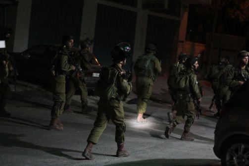 مداهمات واعتقالات في مدن الضفة الغربية