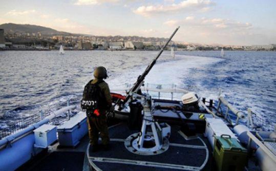 توغل واطلاق نار على الصيادين في غزة واعتقال 10 مواطنين في الضفة