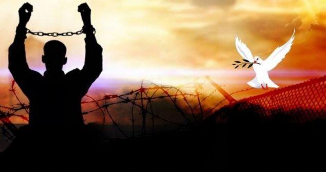 اليوم: موعد الإفراج عن الأسيرين سامر عابد ويوسف شحروج بعد اعتقال استمر ثلاث سنوات