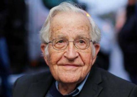 الفيلسوف اليهودي العالمي 'نعوم شومسكي' : الولايات المتحدة تتجه نحو الكارثة