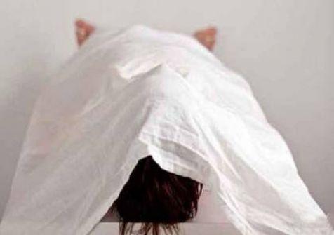 النيابة والشرطة تحققان بظروف مقتل شابة من الخليل