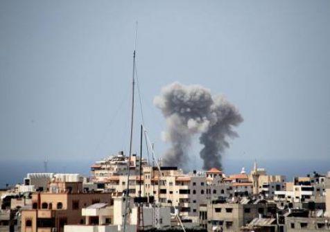 اصابة مواطنين بجراح في قصف لمنزل في خانيونس والاحتلال يطالب سكان غزة بالابتعاد عن مقار المقاومة
