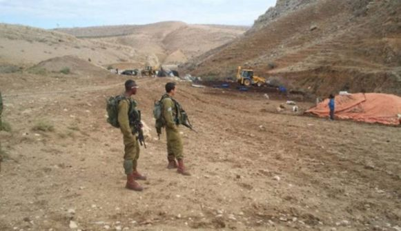 قوات الاحتلال تهدم خياما في الرأس الأحمر شمال الأغوار