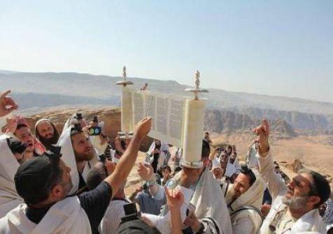 الأردن يغلق مقام النبي هارون بعد إقامة سياح يهود لصلوات تلمودية فيه