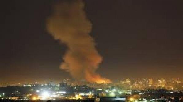 طائرات الاحتلال تقصف عدة اهداف في قطاع غزة فجر اليوم