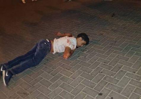 مصرع مستوطن وإصابة اثنين آخرين بجراح في عملية طعن قرب القدس واستشهاد المنفذ