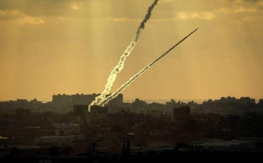 غانتس :  'ما يقرب من 700 صاروخ أطلقت من قطاع غزة خلفت دمارا كييرا وعشرات الجرحى و 4 قتلى نتيجة لفقدان الردع  '