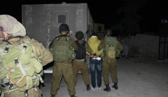 الاحتلال يعتقل 16 مواطنا ويصادر امولا
