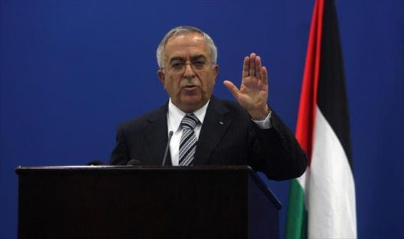 د.فياض يتقدم بـ'خطة عمل' للرئيس عباس 'شرطا' لتشكيله الحكومة الجديدة!