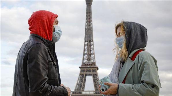 ماكرون: 'نحن في حالة حرب' ويعلن إغلاق حدود فرنسا مع أوروبا لمدة 30 يوما
