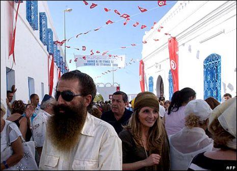 مجهولون يحاولون حرق معبد يهودي بتونس