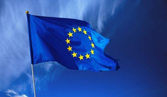 'الإتحاد الأوروربي يهدد السلطة حال ايقاف التحويلات المالية إلى غزة'