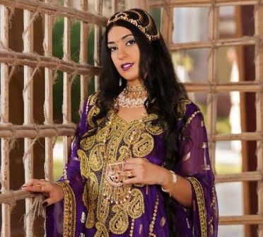 موناليزا العرب.. نجمة مفعمة بالإثارة والفخامة والرقي