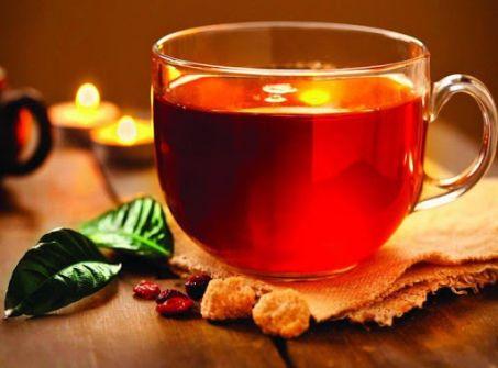 أضرار تناول الشاي بعد الغداء مباشرة