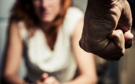 كمال ازنيدر: 'القاعدة القرآنية تنهى عن العنف ضد النساء'
